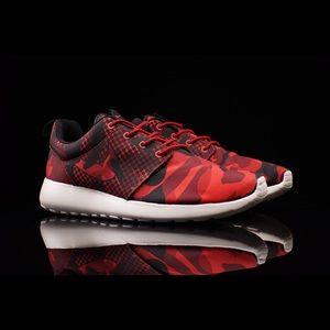 Nike Roshe Run Red Camo